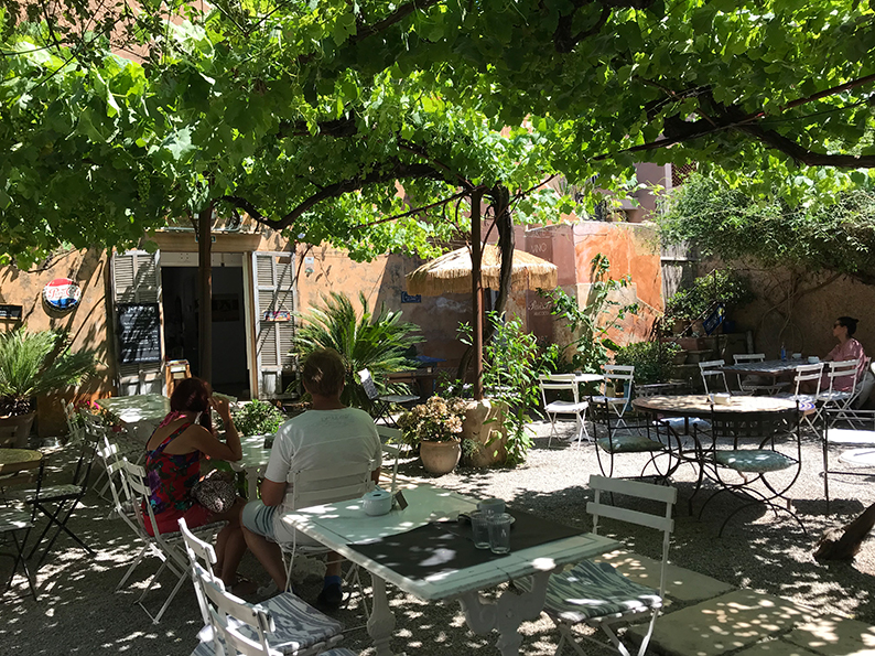 Mallorca, Spanien, Balearen, Arta, Markt, Café Parisien