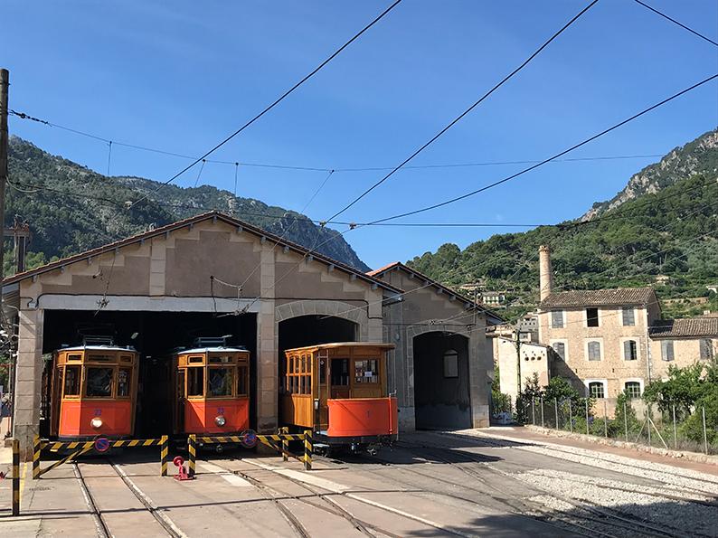 Mallorca, Spanien, Soller, Roadtrip, Plaza Constitucion, Serra de Tramuntana, Orangenbahn