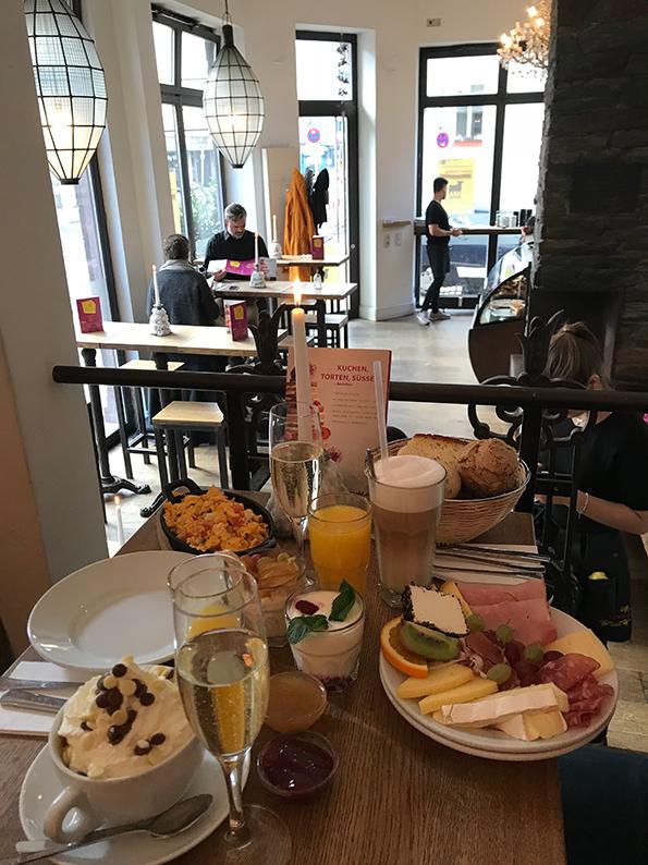 Stuttgart, Deutschland, Café, Hüftengold, Frühstück, Bohnenviertel