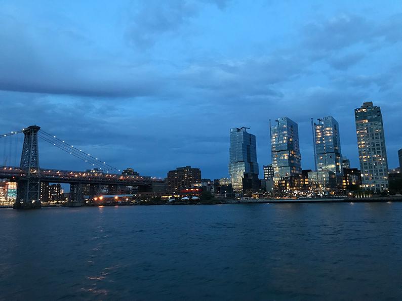 New York, Manhattan, USA, Geburtstagsfeier, East River Ferry